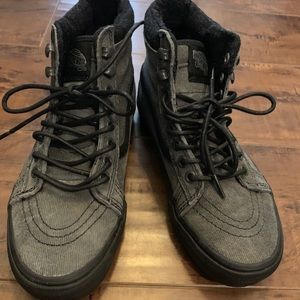 VANS BOOTS Black and grey suede